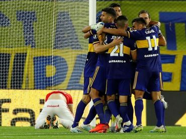 Boca goleó a Vélez y llega en alza al superclásico