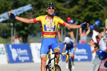 Raúl Alarcón suspendido por la UCI hasta 2023 por dopaje