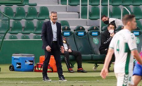 Escribá: ?¿Por qué no pensar que podemos complicarle la vida al Real Madrid??