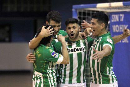 El Betis Futsal se da una alegría en el regreso de la afición a Amate