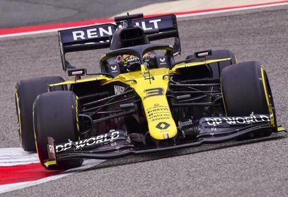 Ricciardo domina en la sesión matinal, con numerosas incidencias