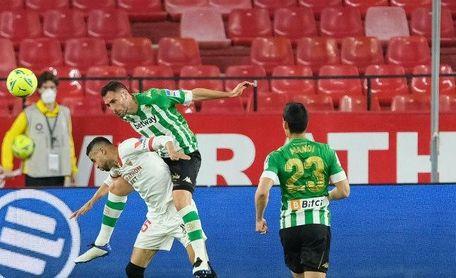 Al Betis se le atraganta la 'merienda' y al Sevilla, la tarde-noche