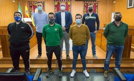 El Ayuntamiento de Los Palacios y Villafranca firma convenios de colaboración con los cinco clubes de fútbol de la localidad