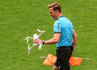 El dron que cayó en San Mamés llevaba un mensaje contra la Eurocopa