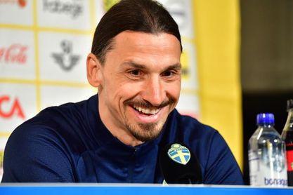 Ibrahimovic llora de emoción en su primera comparecencia al regresar con Suecia