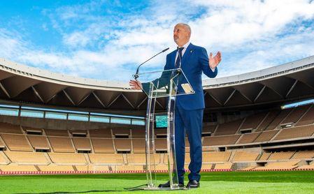 Imbroda y Tebas presentan en Málaga el acuerdo para promover la formación y el desarrollo social a través del deporte