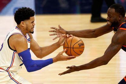 Sixers y Nets ganan sin sus estrellas; Lakers pierden sin James
