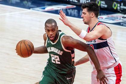 121-119. Ante los Celtics, Middleton lidera la octava victoria consecutiva de los Bucks