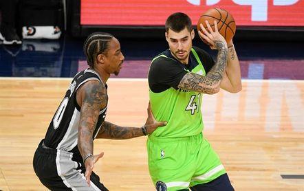 107-101: Los Timberwolves remontan a los Rockets en los últimos minutos