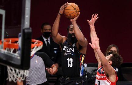 111-113. Harden consigue 44 puntos en la victoria de los Nets con debut de Griffin