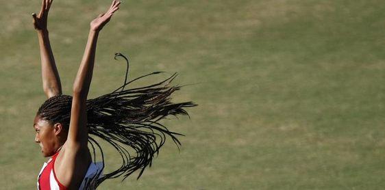 Tara Davis salta 7,15 en longitud y bate un récord de 36 años