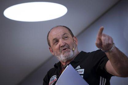 """Juan Oiarzábal: """"No cuelgo el piolet, tengo más ilusión y proyectos que nunca"""""""