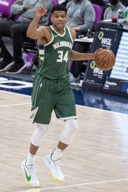 Los Clippers sin Ibaka desarticulan a los Bucks y continúan imparables