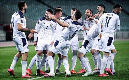 Gudelj cierra con 90 minutos y victoria su participación con Serbia.