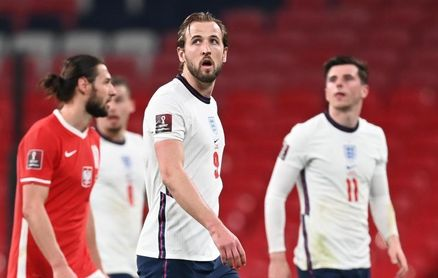 2-1. Inglaterra hace pleno y se acerca a Catar