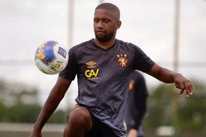 Toró necesitaba minutos y se marchó a préstamo al Sport Recife, con el que ya golea.
