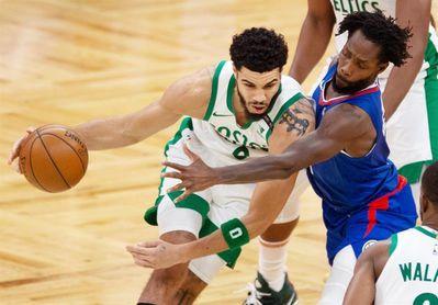 116-86. Tatum lidera la exhibición de los Celtics ante los Hornets, que pierden el liderato