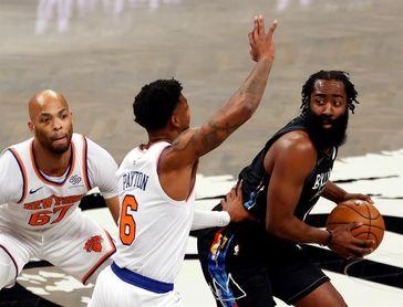 114-112. Ante los Knicks, Irving salva a los Nets, que vuelven a perder a Harden por lesión