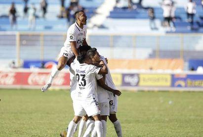 El Alianza va a la caza del liderato tras superar el bache en el fútbol salvadoreño