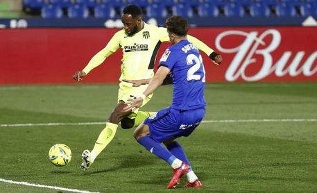 El documento de Moussa Dembélé para jugar en el Benito Villamarín.