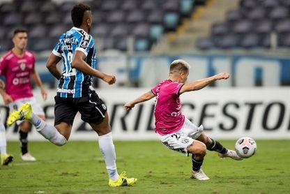 1-2. Un doblete de Ortiz saca a Gremio de la Libertadores y le da paso a Independiente del Valle