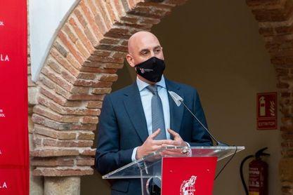 """Rubiales: """"Bilbao tiene problemas. La Cartuja sería un lugar magnífico"""""""