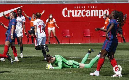El Sevilla Femenino doblega al Atleti en un final de infarto (3-2).