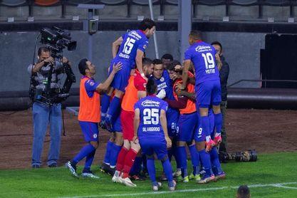 El Cruz Azul del peruano Reynoso sigue de líder del Clausura, tras 15 jornadas