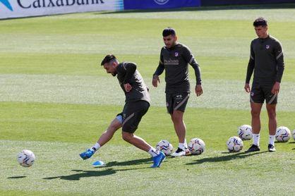 """Simeone ve """"una gran mirada a la familia atlética"""" en la renuncia de su club"""