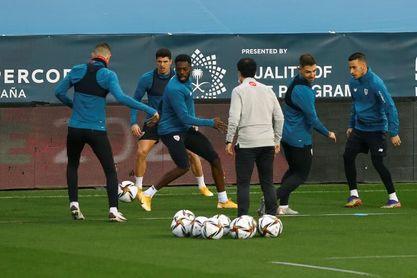 Iñigo Martínez trabaja con el grupo y apunta a jugar ante el Atlético