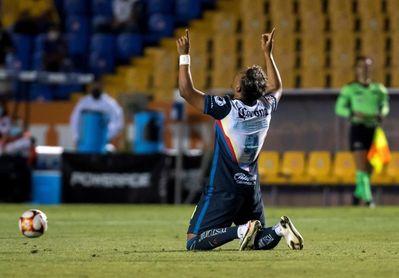 1-1. Dos goles de penalti dejan un empate y la definición en el Azteca