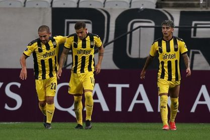 0-2. Peñarol sorprende a Corinthians y se consolida en la cima del Grupo E