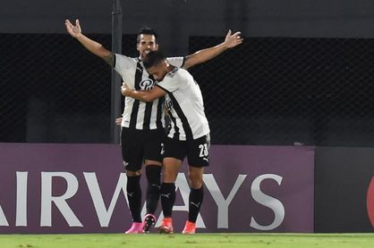1-3. Libertad impone condiciones y derrota a Newell's en Rosario
