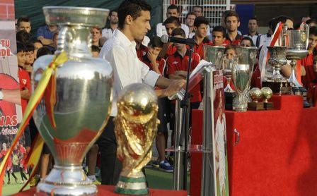 El capitán del Sevilla, Jesús Navas, tiene pie y medio en la Eurocopa 'sevillana'