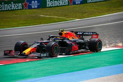 """Pérez: """"Tenemos que meter presión a los Mercedes para luchar por el podio"""