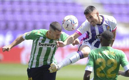 Real Valladolid-Real Betis (1-1): Perdona y lo paga con el sexto empate, que ya sí resta