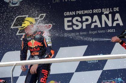 Pedro Acosta más líder al encadenar la tercera victoria consecutiva en Moto3
