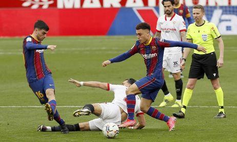 El Valencia sale con Maxi y Guedes en ataque; Koeman cuenta con Pedri y Dest