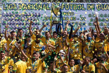 El campeón Guastatoya y el Comunicaciones quieren pegar primero en Guatemala