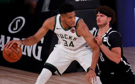 124-118. Antetokounmpo y los Bucks vuelven a ganarle a los Nets y barren en la mini serie