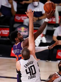 128-105. Ante los Knicks, Ayton y Paul permiten a los Suns seguir en la lucha por la mejor marca en la NBA
