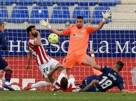 1-0. El Huesca no se rinde y prolonga el sueño de la permanencia