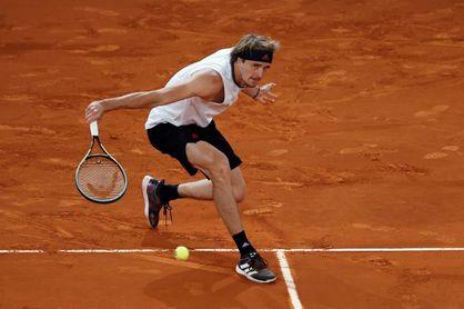 Zverev resurge ante Nishikori y reeditará los cuartos de Madrid contra Nadal