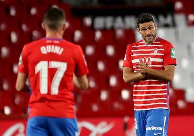 1-4. El Real Madrid gana en Granada y mantiene la pugna con el Atlético