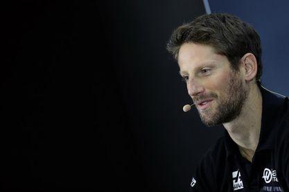 El francés Grosjean gana la pole y el colombiano Montoya saldrá en el último puesto