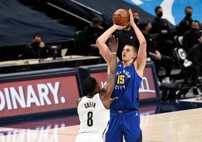 Nikola Jokic crece como aspirante a MVP