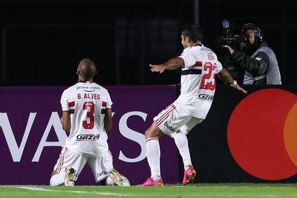 3-0. Sao Paulo cumple ante Cristal, que se conformará con la Sudamericana