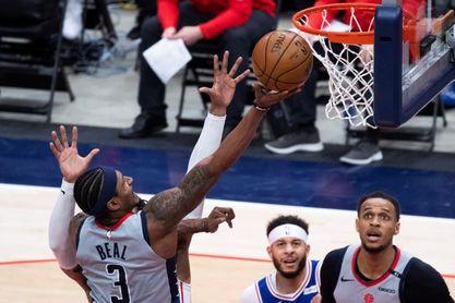 122-114. Beal y Westbrook evitan barrida y logran primer triunfo ante los Sixers