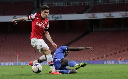 El Arsenal acelera por el sustituto de Bellerín, relevo soñado del Betis para Emerson