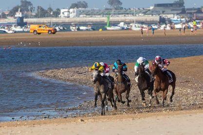 La organización trabaja para que haya carreras en las playas de Sanlúcar